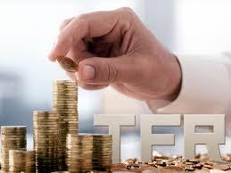 Il TFR, o trattamento di fine rapporto, è una liquidazione, nota anche come buonauscita, che il datore di lavoro effettua a beneficio del lavoratore in seguito alla cessazione del rapporto subordinato. Dal 2005, con il decreto legislativo n. 252, è previsto il silenzio-assenso per la destinazione del TFR ai fondi pensione complementari. Dal 2015 è possibile anche scegliere di ottenere in busta paga, congiuntamente alla retribuzione, la quota di trattamento di fine rapporto maturata mensilmente (TFR in busta paga).