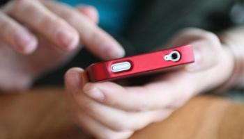 Come tutelare il conto online da truffe via email o sms: i consigli della polizia postale
