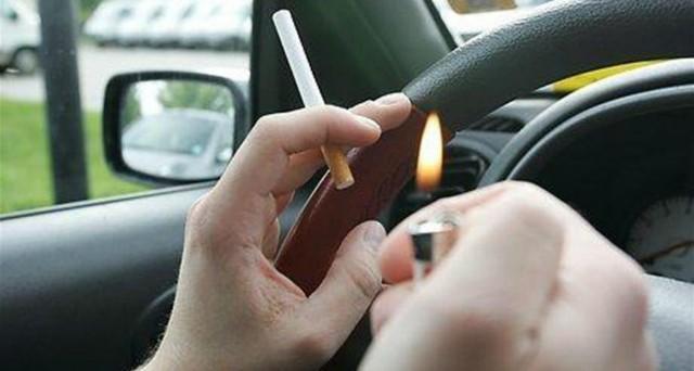 Martedì 2 febbraio entra in vigore il decreto legislativo sui tabacchi e scatta il divieto di fumare all'aperto, davanti a scuole e ospedali, università, in auto alla presenza di minori o donne incinte.