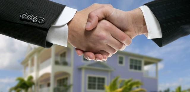 La caparra confirmatoria è l'importo che una delle due parti versa all'altra a titolo di indennizzo in caso di inadempimento contrattuale.