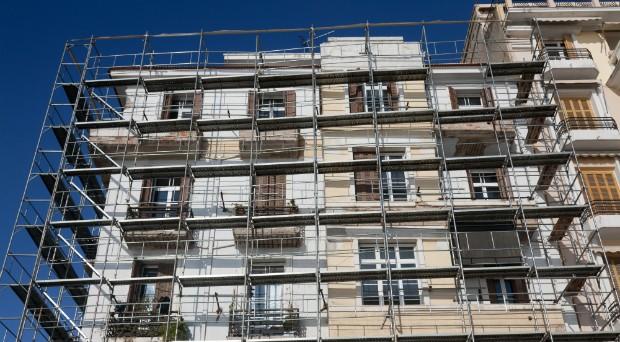 Per i lavori di condominio è previsto anche il bonus mobili ed elettrodomestici di 10.000 euro   utilizzabile in caso di ristrutturazione delle parti comuni di un edificio: ecco come ottenere la detrazione nel 730 o nell'Unico.