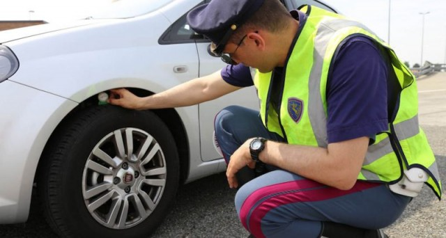 Risultati immagini per cambio pneumatici