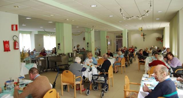Per gli anziani che risiedono stabilmente nelle case di riposo è dovuto il pagamento del canone Rai 2016?