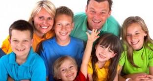 Il Bonus famiglie è un sostegno economico erogato alle famiglie con 4 o più figli minori, ecco tutto quello che c'è da sapere sull'assegno destinato alle famiglie numerose.