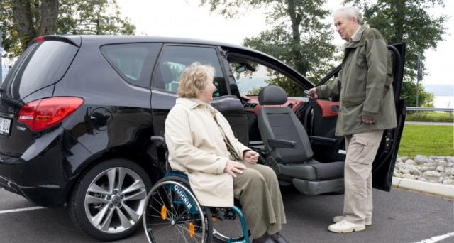 Quali sono i documenti che bisogna produrre per fare domanda di esenzione dal pagamento del bollo auto per disabili?