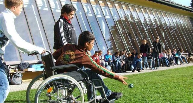 Attestazioni ISEE 2016, l'Inps, ha introdotto nuove regole di ricalcolo per i nuclei familiari con componenti disabili o non autosufficienti