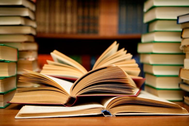 Guadagnare leggendo: ecco le professioni per chi ama i libri - InvestireOggi.it