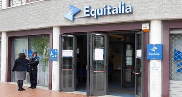 Il compenso ad Equitalia va pagato dallo Stato e non dal cittadino: ecco il perchè dello sconto sulle cartelle esattoriali.