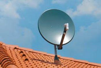 Ogni condomino ha il diritto di installare la propria antenna satellitare nelle parti comuni del condominio, anche se esiste un'antenna centralizzata.