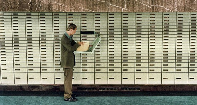 L'Agenzia delle Entrate controlla le cassette di sicurezza per stanare gli evasori: cosa sapere in vista della voluntary disclosure 2