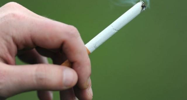 Smettere di fumare? A quanto sembra in cambio di soldi ci si riesce meglio.