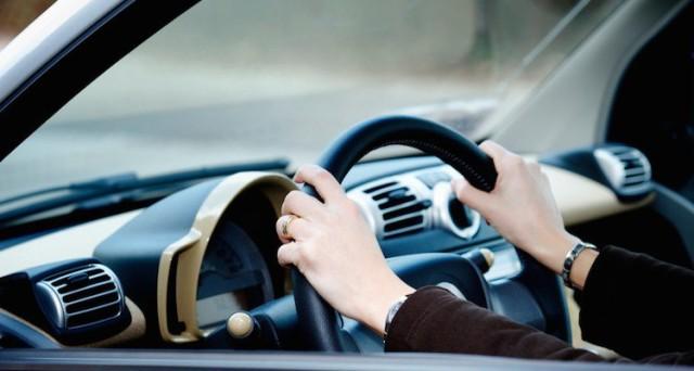 Se a guidare è il figlio si rischia la multa se l'assicurazione è con guidatore vincolante?   La Redazione risponde.
