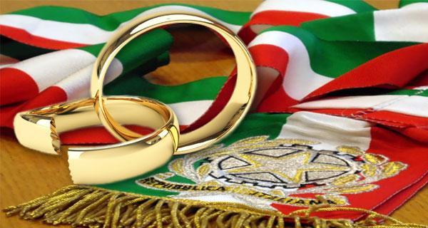 Il divorzio a Milano costa 16 euro: boom di richieste per le pratiche low cost. Fila davanti l'Anagrafe per dirsi addio senza costi