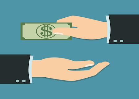 Donazioni-ai-figli-con-bonifico-quante-tasse-si-pagano-e-come-si-fa