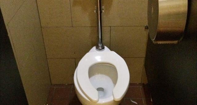 Toilette locali pubblici si pu andare al bagno se non si - Dubai a gennaio si fa il bagno ...