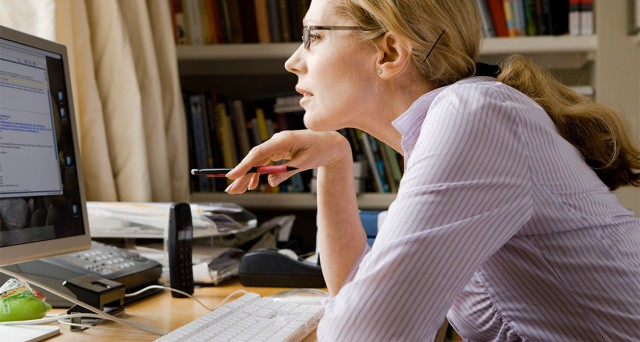 Licenziamento Matrimonio Lavoratore Uomo : Leggere email personali a lavoro si rischia il