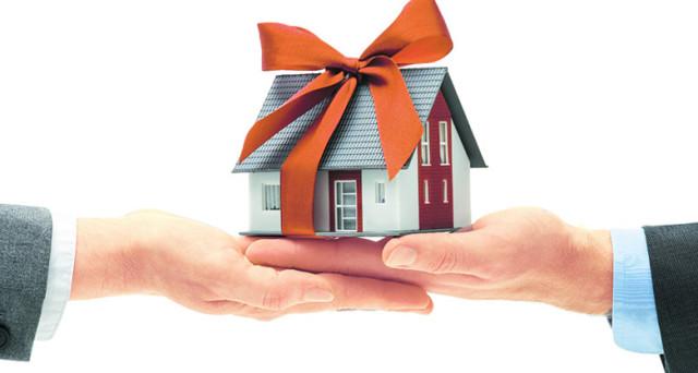 Comprare casa ai figli, come fare e qual è il metodo più sicuro per non correre rischi? Come e quando si rischia l'accertamento fiscale e come evitarlo?