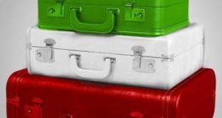Non pagare le tasse in Italia, la residenza all'estero non basta: controlli del Fisco su bollette, auto e conti correnti