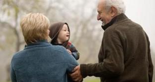 I nonni baby sitter hanno diritto al bonus se la mamma rinuncia al congedo di maternità facoltativo?
