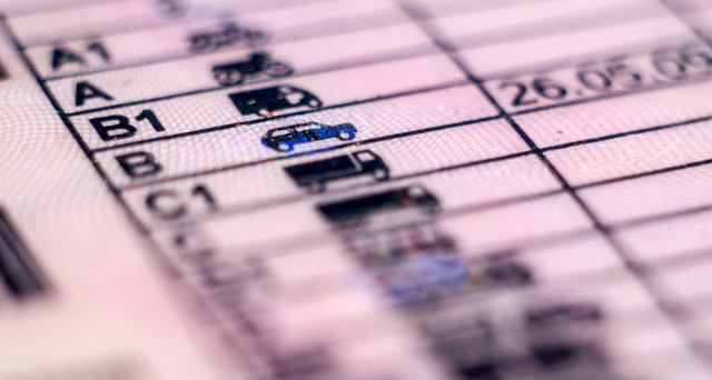 Chi viene bocciato all'esame della patente può fare ricorso o conviene, come tempi e costi, rifare direttamente il test o la prova pratica?