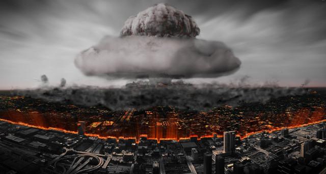 Esplosioni-nucleari-citt%C3%A0-fumo-fine