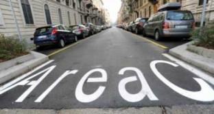 Un'area C a Roma come a Milano: la capitale si prepara a questa novità per far fronte al deficit di bilancio? Cosa deve sapere chi viene da fuori e quali esenzioni sono previste per i romani