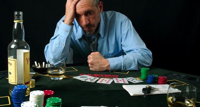 Gioco d'azzardo, uno studio condotto dall'Università di Kyoto ha svelato il meccanismo della dipendenza, una vera e propria malattia.