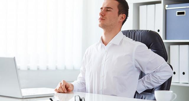 Lavoro al pc: il massaggio alla schiena diventa un servizio aziendale?