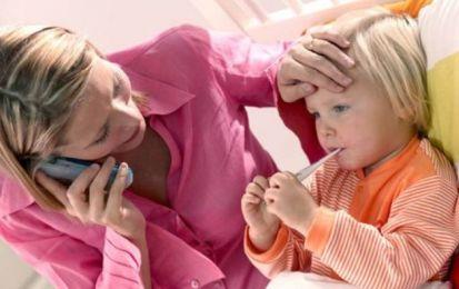 Figlio con la febbre: quali permessi malattia sono previsti per il genitore a lavoro? E quali documenti bisogna fornire?
