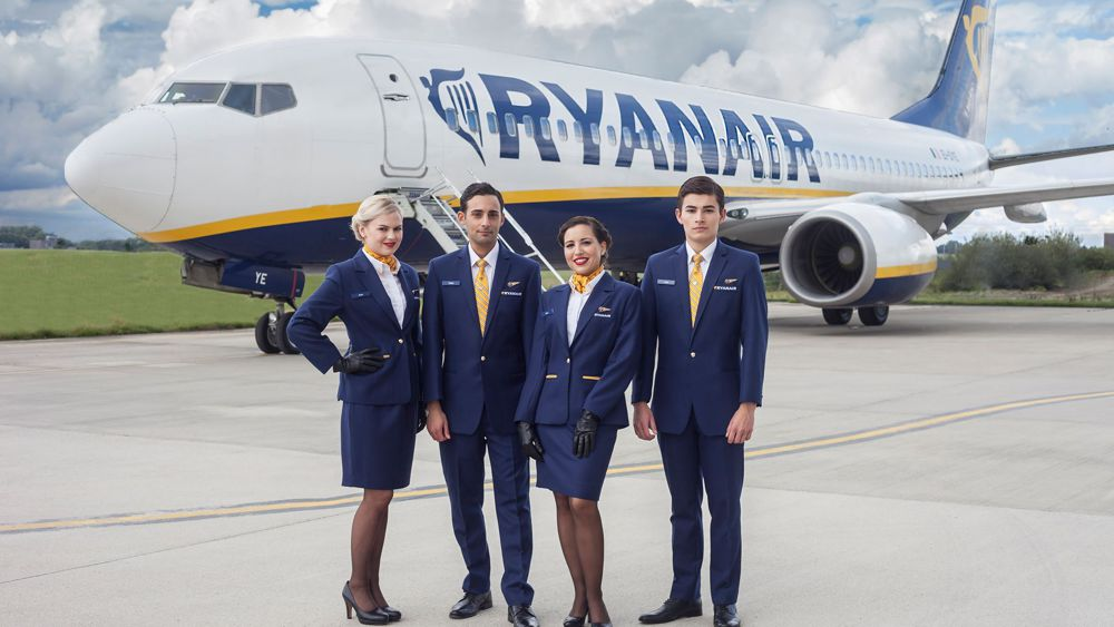 Ryanair assume assistenti di volo come partecipare alla for Interieur avion ryanair
