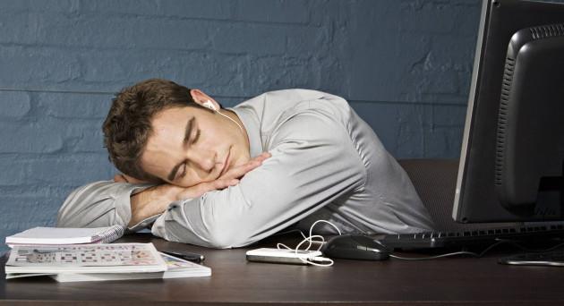 Turni di lavoro scomodi e stancanti. Quando non è un caso. Il fenomeno dello straining: come riconoscerlo e come difendersi.