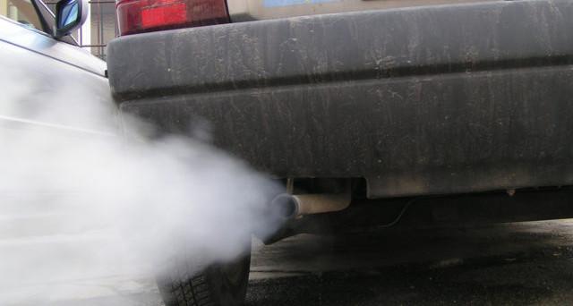 Aumento bollo auto, nuovo calcolo in base all'inquinamento del veicolo. L'importo da pagare dipenderà dall'anno di immatricolazione e non dai cavalli del motore