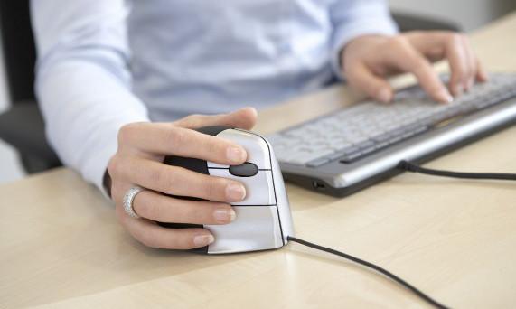 Bugie sul lavoro: il mouse smaschera chi mente in ufficio, ecco come