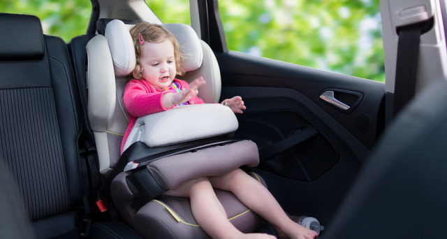 Dopo una serie interminabile di rinvii, entrano in vigore oggi, 6 marzo 2020, le sanzioni previste per tutti gli automobilisti non provvisti di seggiolini antiabbandono per i minori di 4 anni d'età.