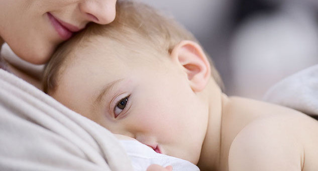 Permesso allattamento e assegno maternità, cambia la modalità di invio: da ottobre solo online. Ecco la procedura telematica.