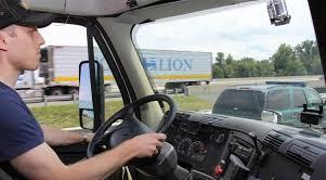 Pensione lavoro gravoso, l'autista di camion, rientra in questa categoria? La trasferta Italia basta a giustificare il lavoro svolto? | La Redazione risponde.