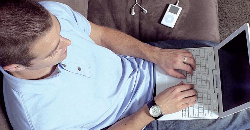 Lavorare da casa fa diventare ricchi o è chi è già ricco che può permettersi di lavorare da casa? - InvestireOggi.it