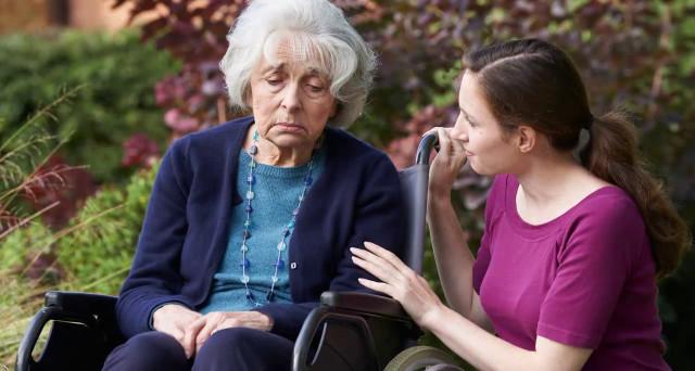 Se la contribuzione è mista tra dipendente e autonomo la prestazione di vecchiaia anticipata per invalidi spetta?