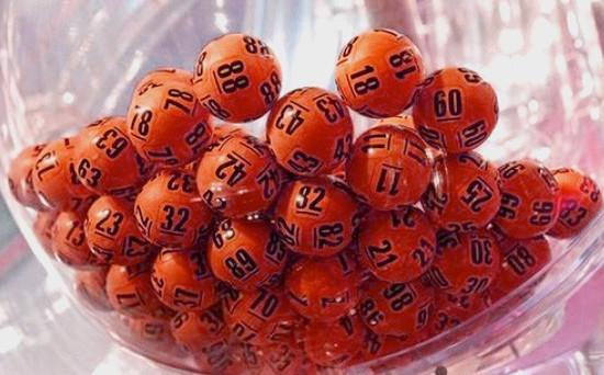 Vincere la Lotteria e diventare ricchi è un sogno comune ma, per alcuni, si trasforma in un incubo: ecco quando.