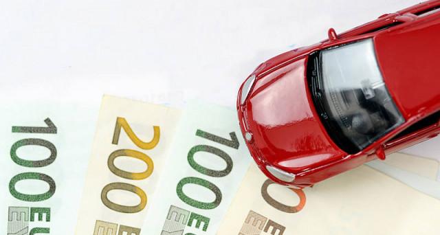 Il bollo auto non pagato, tocca agli eredi con sanzioni e interessi? | La Redazione risponde.