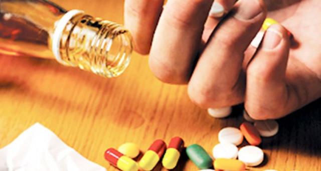 Farmaci on line, chi li acquista rischia una denuncia penale, si entra in contatto con un'organizzazione criminale.