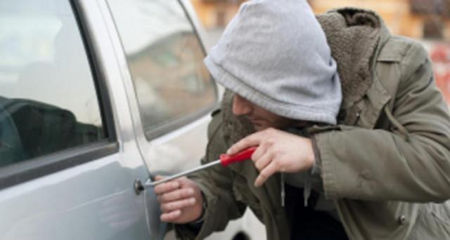Rimborso bollo auto rubata: anche l'Abruzzo si aggiunge alle regioni che danno la possibilità di ottenerlo scaricando i moduli online.