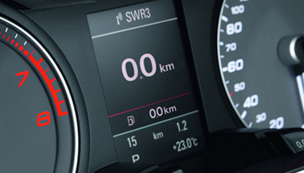 L'acquisto di un'auto a km 0 conviene anche per il bollo auto? Chi lo paga: acquirente o venditore? Ecco tutto quello che c'è da sapere e come calcolare importo e scadenza.