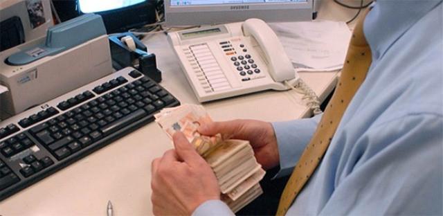Banche: truffati dalle banche e dal Governo. Federconsumatori chiede risposte sul fondo.