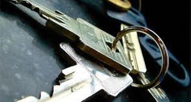 Truffa delle chiavi: vittime e luoghi a rischio. Ecco come funziona e come difendersi.