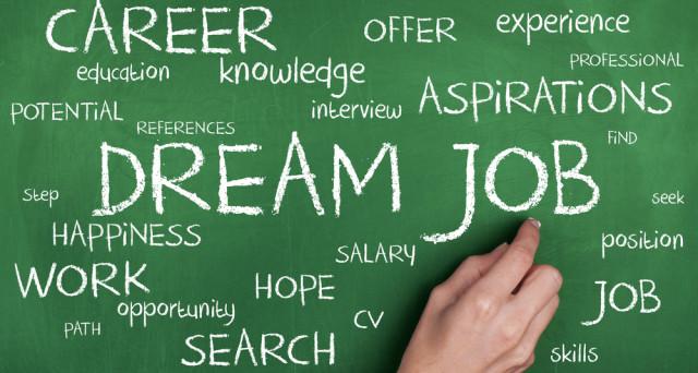 Quali sono i 10 lavori più richiesti dalle aziende e quali le professioni destinate a scomparire: ecco la classifica.