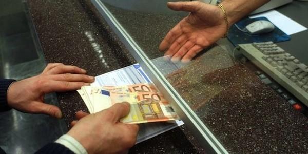 Deposito contanti in banca: vale il limite? In caso di controlli come dimostrare che è tutto regolare e non c'è stato nero o evasione? Ecco i chiarimenti da una recente sentenza.