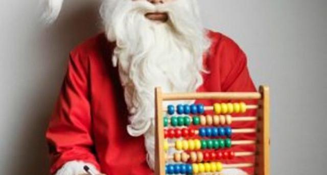 Feste di Natale 2017: chi va in ferie rischia una busta paga di dicembre più bassa? Ridurre lo stipendio a volte è ammesso anche se le ferie sono retribuite: ecco quando e perché.