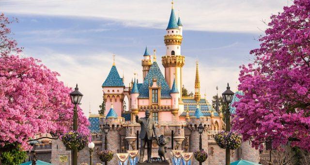 Disneyland Paris è alla ricerca di 40 giovani da assumere, si svolgeranno a Roma le audizioni.