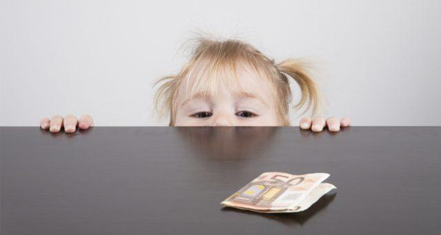 Riconoscere il bonus 80 euro a chi ha figli minorenni: perché fare i genitori è un lavoro. La proposta di Renzi: tutto quello che c'è da sapere.